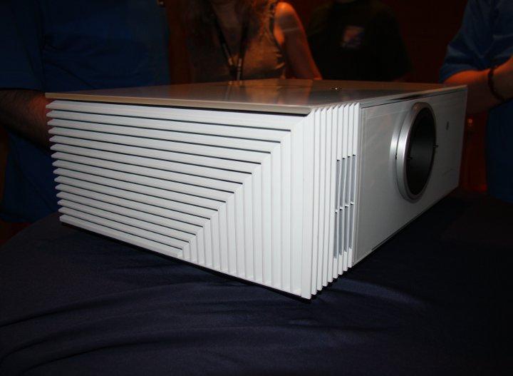 DLP проектор Crystal 35 от Sim2
